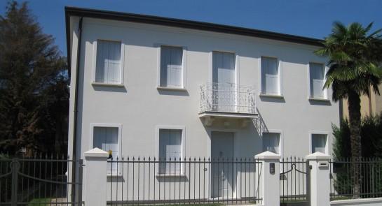 Appartamento al mare interior design appartamento vista mare for Ristrutturare case antiche